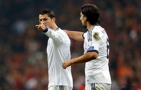 cristiano-ronaldo-656-pointing-his-finger-to-the-tv-cameras-after-scoring-for-real-madrid-in-2013